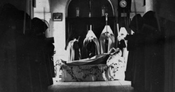 A Catholic Life A Prayer For A Deceased Priest Priest Catholic