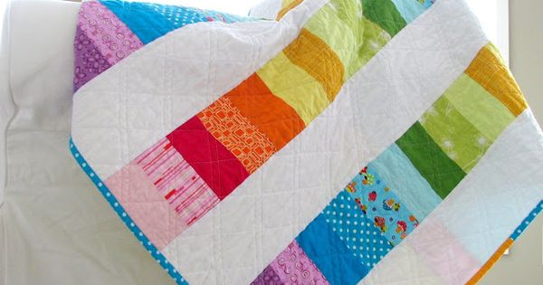 Happy Modern Quilts: An Evolved Rainbow Quilt, I like the quilting pattern,