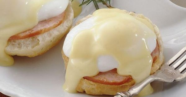 Grands!® Eggs Benedict, 1(16.3-oz.) can Pillsbury® Grands!® Refrigerated Buttermilk Biscuits 8(1-oz.) slices