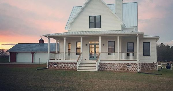crazy country homes if ever a cottage had a picture perfect porch its this sweet