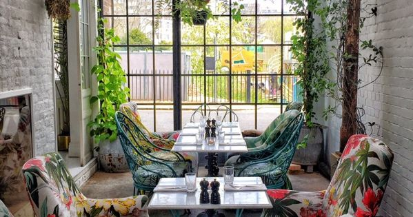 Greenhouse Lunching & Offbeat Hunting in East London, part 1 of my