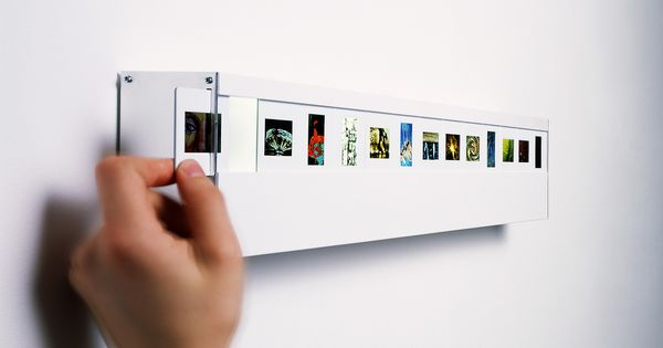Wall Mounted Photo Slide Light with 13 Slide Spaces