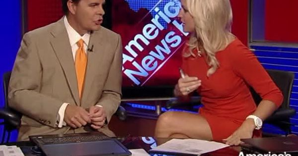 Ainsley Earhardt Thighs Ainsley Earhardt Legs Image