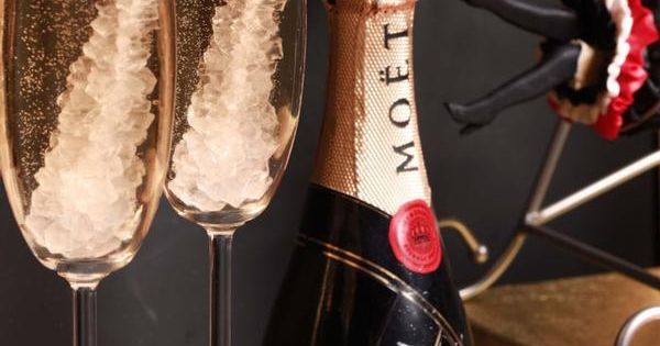 new year's eve idea: rock candy champagne
