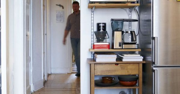 15 small space kitchens tips and storage solutions that - Kitchen storage solutions small spaces ...