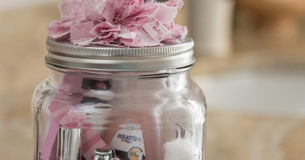 Manicure Gift in A Jar Kit (plus other mason jar gift ideas)