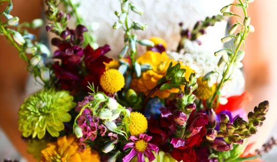 zinnias - colourful wedding bouquet. Why pick one colour for your wedding - have a rainbow!