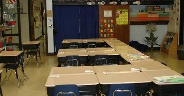 classroom desk arrangements probable would not have the second row of