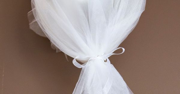 (I) (L)ove (D)oing (A)ll Things Crafty!: First Communion Day + DIY Decor