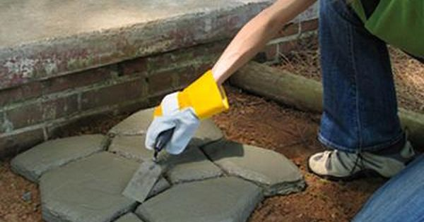 Quikrete 2 In X 24 In X 24 In Country Stone Walk Maker 692132 The Home Depot Walk Maker Outdoor Diy Projects Backyard Projects