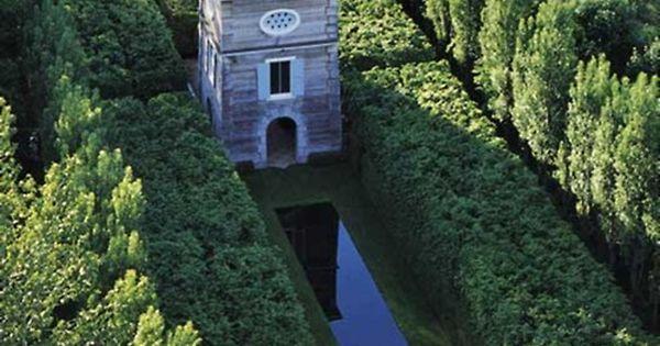 Le pigeonnier de frank cabot aux jardins de quatre vents for Jardin 4 vents