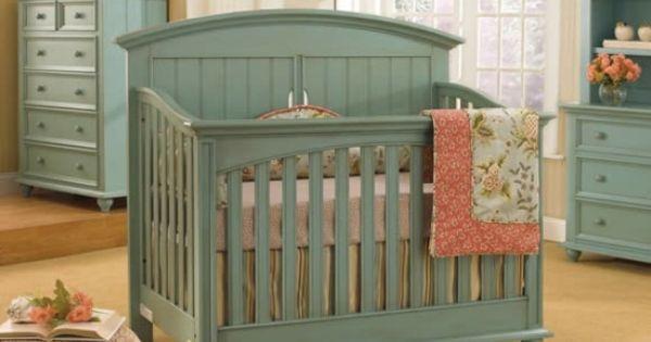 Babyzimmer holz  Babyzimmer Möbel grüne Minze Farbe Holz   Baby   Pinterest ...