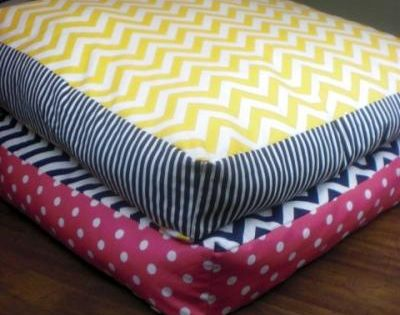 Giant Floor Pillows DIY {Home Accessories}@Kayti Shrader this would be neat for your