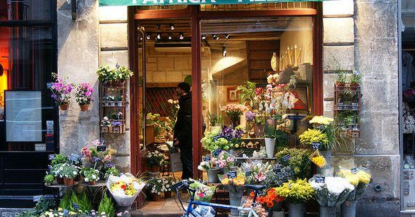 Flower shop tiendas decoraci n de vitrina y flores - Decoracion de vitrinas ...
