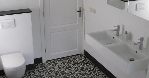 Portugese tegels ouderwetse opstaande zwarte rand modern wastafel toilet interior tiles - Ouderwetse badkamer ...