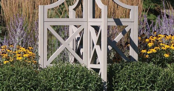Four sided shape for free standing trellis in our wind for Free standing garden trellis designs