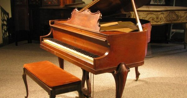 Huntington apartment size baby grand piano in the louis xv Size of baby grand piano