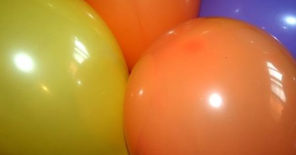 How to make a balloon column base balloon columns led for Balloon arch tape