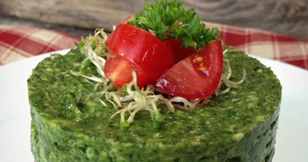 Raw Cilantro and Spinach Cashew Pesto | My awesome vegan life ...