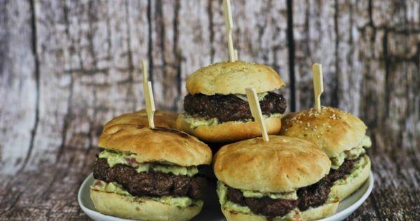 Selbstgemachte Burger Patties Mit Avocadocreme Rezept Avocado Creme Selbstgemachte Burger Avocadocreme