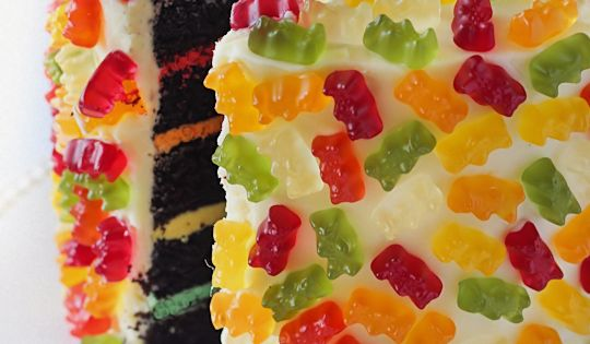 Gummy Bear Layer Cake. How cute would this be for a bear