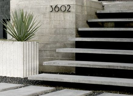 Love the cantilever steps, the pavers and gravel (ditto, as that was