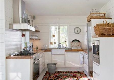 Perfect little kitchen - I could NEVER function with that little storage
