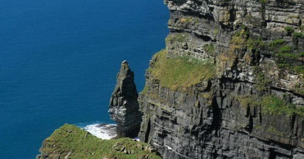 Cliffs of Moher, County Clare, Republic of Ireland; copyright: Sven Berger -