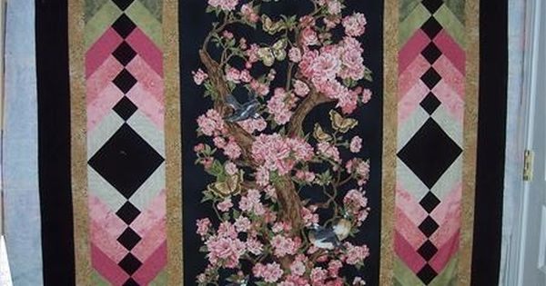 A Gorgeous Way To Border A Panel Quilt Panel Quilts