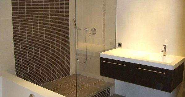 douche italienne et baignoire dans petite salle de bain recherche google salle de bain. Black Bedroom Furniture Sets. Home Design Ideas