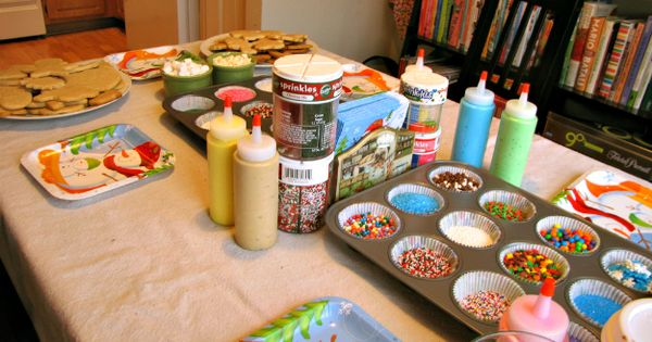Five Steps to a Successful Cookie Decorating Party. I'm thinking of doing