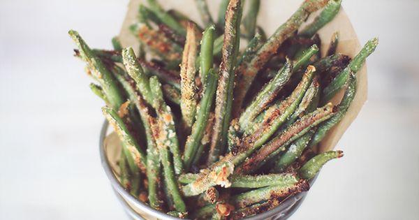 Crispy Baked Parmesan Green Bean Fries! love baked green beans!
