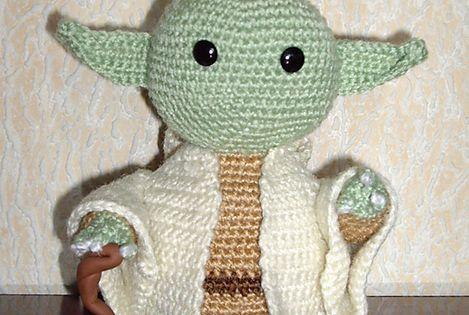 Jedi Master Yoda Amigurumi Pattern : Ravelry: free Yoda Jedi Master Amigurumi pattern by Alba ...
