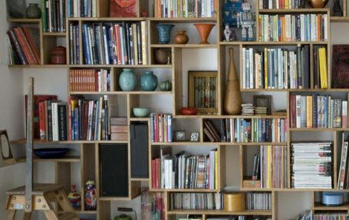 stauraum ideen im wohnzimmer 30 pfiffige einrichtungen essen wohnen pinterest stauraum. Black Bedroom Furniture Sets. Home Design Ideas