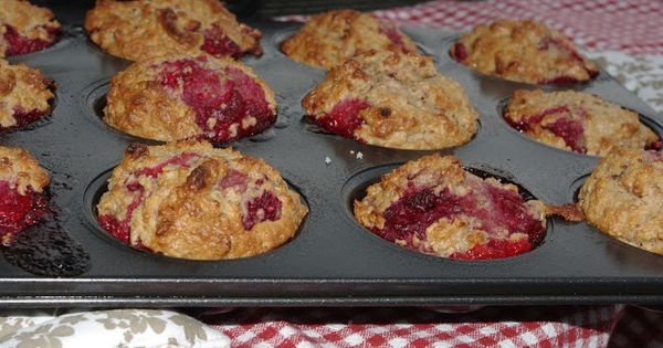 Mennonite Girls Can Cook: Raspberry Yogurt Muffins (Very good - add in ...
