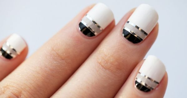 Blacks and whites Nail Art