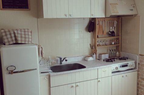 セリアのリメイクシート 汚れ防止シートでキッチンを簡単プチプラ