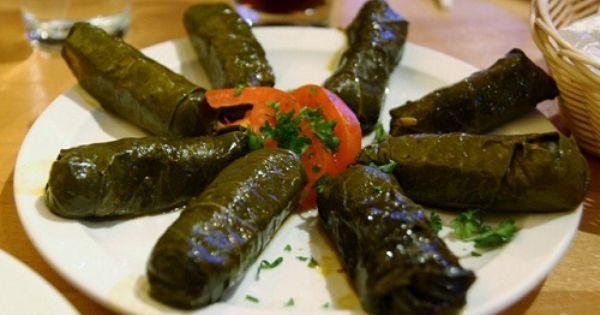 طريقة عمل اليلنجي أو ورق العنب بالزيت طريقة Recipe Turkish Recipes Mediterranean Recipes Food