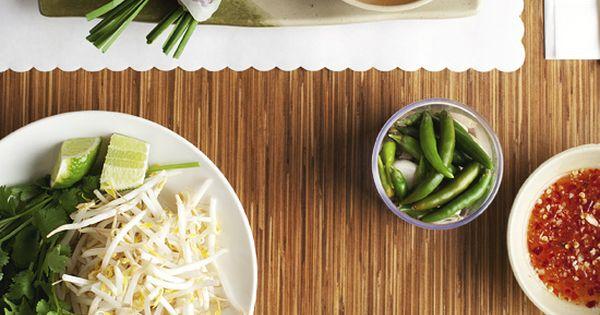 Nem Nướng Cuốn / Rick Poon, Vietnam food..