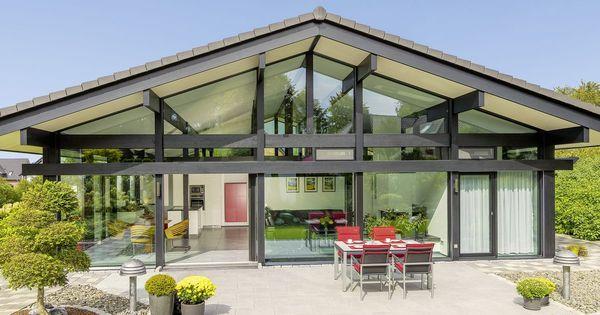 Fertighaus holz glas  HUF Haus Bungalow - Modernes Fertighaus aus Holz und Glas - HUF ...