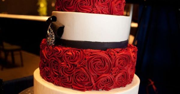 Red, white and black wedding cake! fab.