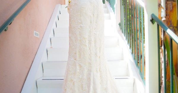 such a stunningly gorgeous Claire Pettibone wedding gown.