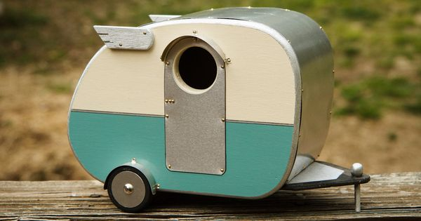 Vintage style camper birdhouse You can invite birds to your garden with