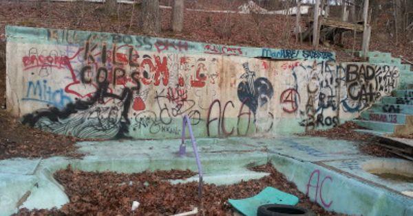 The Abandoned Zoom Floom Waterpark Bloomington Indiana Water Park Abandoned Bloomington