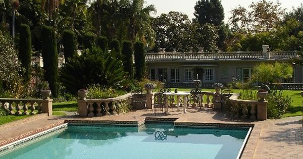 15 Hidden Gardens In Los Angeles To Visit This Spring Hidden Garden Garden Pool Places To Go