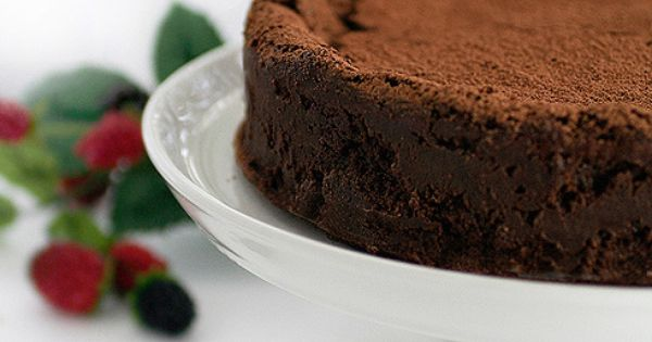 Gluten Free Chocolate Truffle Cake - See more mouth-watering gluten free desserts