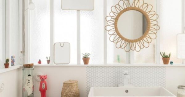 Bright idea for an ensuite with no exterior wall. -e ...