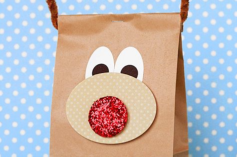 Cute Christmas gift bags! Love this! We might be filling bags like