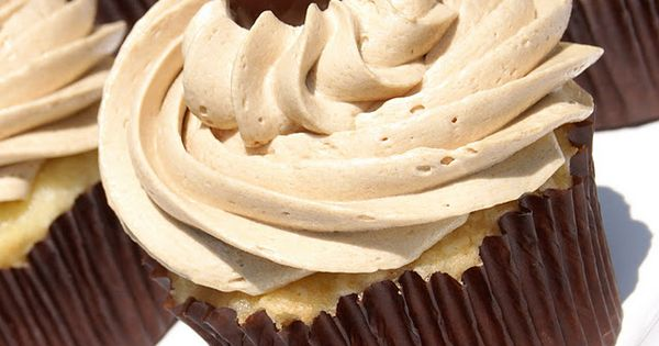 The BEST Vanilla Cupcake & the BEST Coffee Buttercream. cupcakes yummy recipe