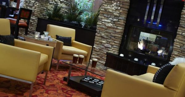 Renaissance Indianapolis North Hotel Is An Upscale Sophisticated Hotel North Of Downtown Indianapolis And Truly Reflects Hotel Hotels For Kids Design District